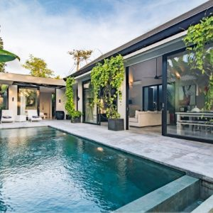 LUXURIOUS AND PRACTICAL 2 BEDROOMS VILLA IN UMALAS