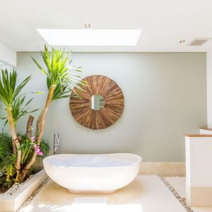 MODERN LUXURIOUS TWO BEDROOM VILLA CLOSE TO BUSY SEMINYAK