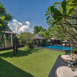 PRESTIGIOUS FREEHOLD VILLA, ONLY 500 METERS TO PETITENGET BEACH
